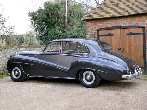 1953 Bentley R Type Lightweight Saloon by H.J Mulliner  For Sale (picture 2 of 6)