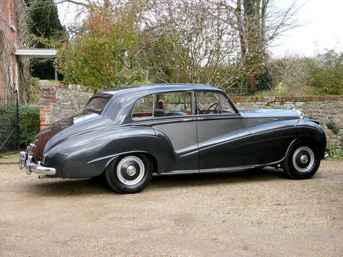 1953 Bentley R Type Lightweight Saloon by H.J Mulliner  For Sale (picture 3 of 6)