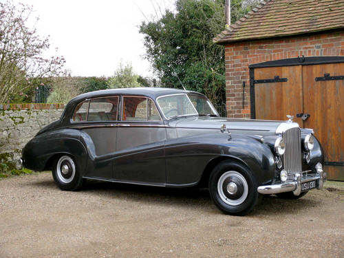1953 Bentley R Type Lightweight Saloon by H.J Mulliner  For Sale (picture 4 of 6)