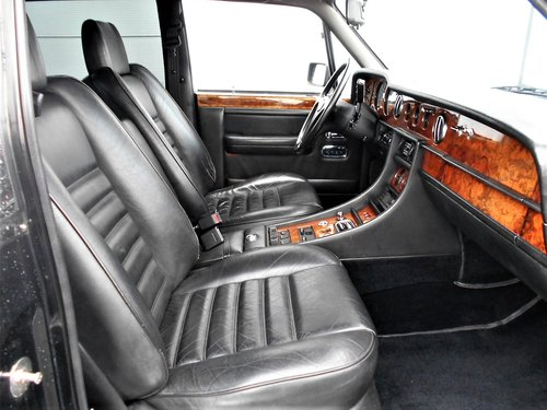 1989 Bentley Turbo R 6.8 Black auto 75000 miles LHD SOLD (picture 6 of 6)