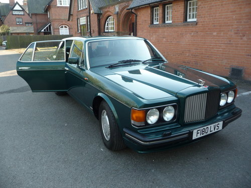 Bentley Turbo R 1989 32500 miles nearly new! For Sale (picture 1 of 6)