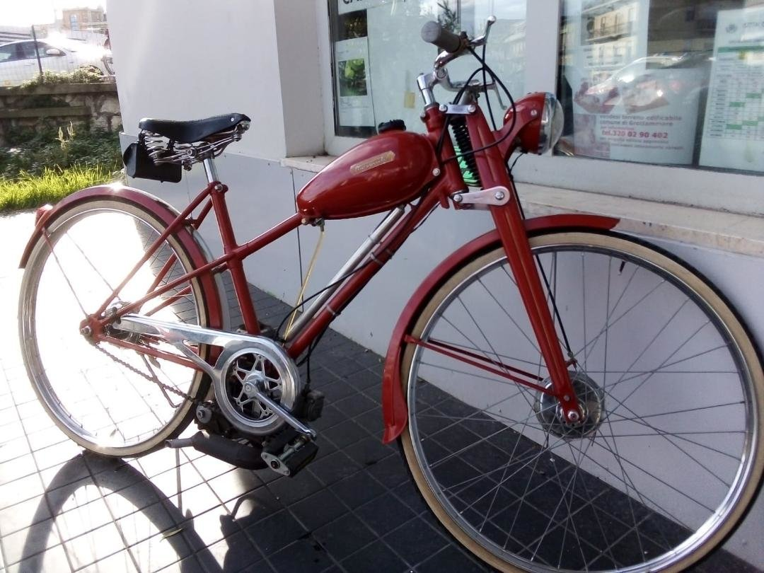 1952 Bianchi Bike with help motor-alternative to electro bike For Sale (picture 1 of 5)
