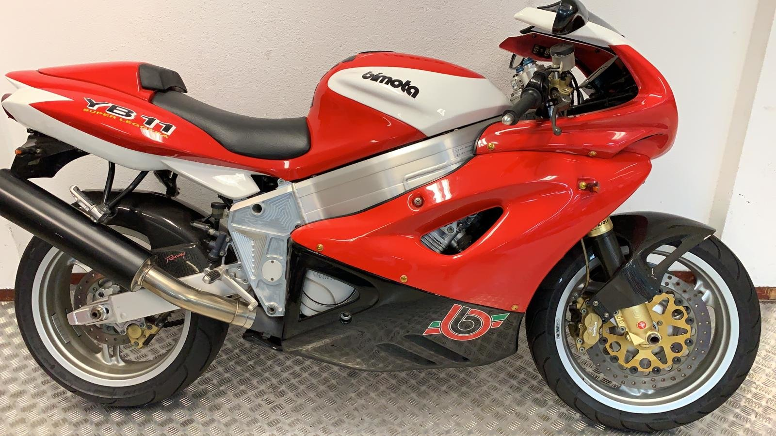 1999 Bimota YB11 immaculate  For Sale (picture 1 of 6)