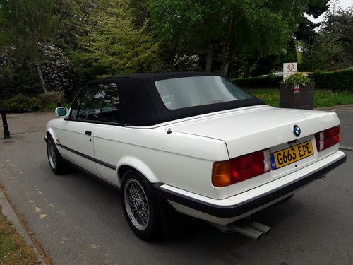 1990 BMW E30 325i Cabriolet Convertible Auto ***Concours*** SOLD (picture 4 of 6)