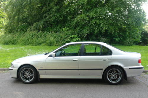 BMW 525i SPORT AUTO.. E39.. ONE OWNER.. LOW MILES + FSH SOLD (picture 1 of 6)