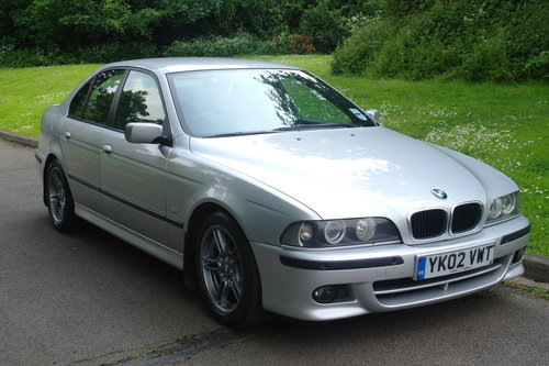 BMW 525i SPORT AUTO.. E39.. ONE OWNER.. LOW MILES + FSH SOLD (picture 2 of 6)