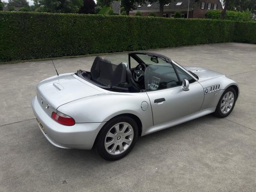 BMW Z3 TYPE 3.0 I ARTIC SILVER 2001 SERVICE BOOKS 17950 euro SOLD (picture 3 of 6)