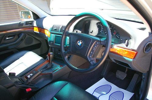 2002 BMW E39 525i SE Touring Auto (36,342 miles) SOLD (picture 4 of 6)