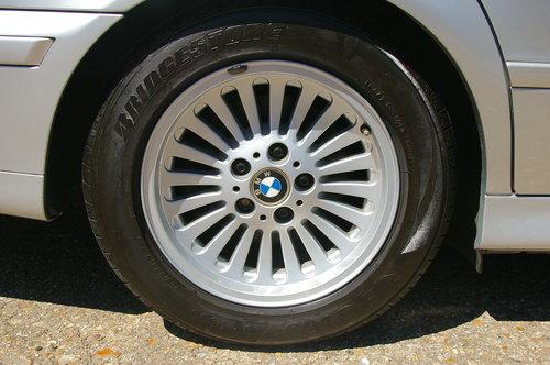 2002 BMW E39 525i SE Touring Auto (36,342 miles) SOLD (picture 5 of 6)