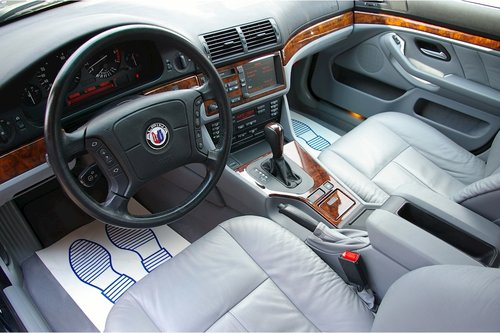 1997 BMW E39 540i Automatic Saloon (19,876 miles) For Sale (picture 4 of 6)