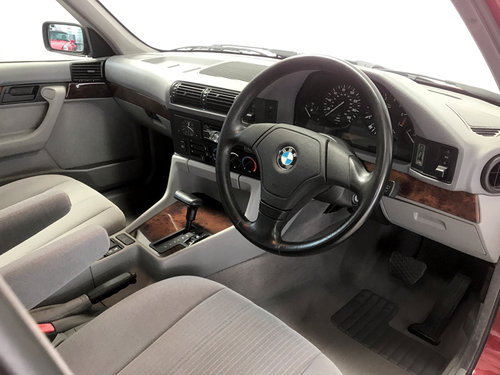 1994 BMW 525i SE auto just 22,900 miles DEPOSIT TAKEN SOLD (picture 3 of 6)