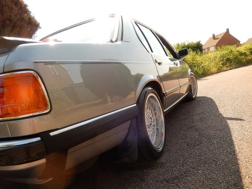 1986 Stunning e23 735iSE auto  -- best available ! SOLD (picture 4 of 6)