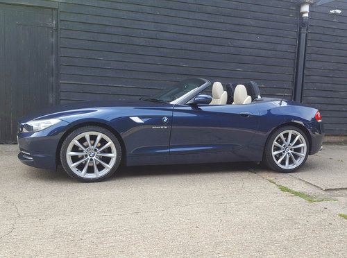 2011 BMW Z4 2.5 23i S-DRIVE Highline Edition (GOOD SPEC: F.s.h.)  For Sale (picture 1 of 6)