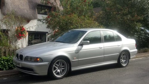 2002 BMW E39 520i ES SE Auto. Leather, split rim Alloys For Sale (picture 1 of 6)
