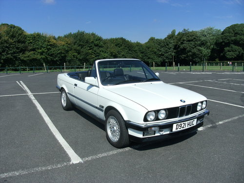 1987 bmw 325i convertible e30 For Sale (picture 2 of 6)