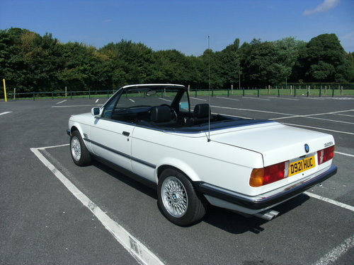 1987 bmw 325i convertible e30 For Sale (picture 6 of 6)