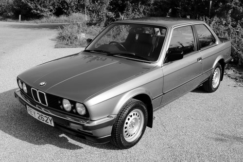 Early 1983 BMW 323i (E30) only 27k miles SOLD (picture 1 of 6)