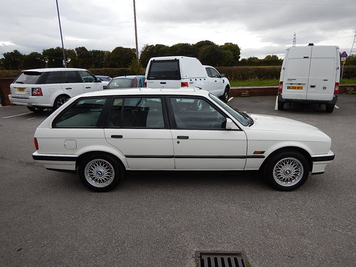 1993 BMW E30 316i Touring Lux SOLD (picture 3 of 6)