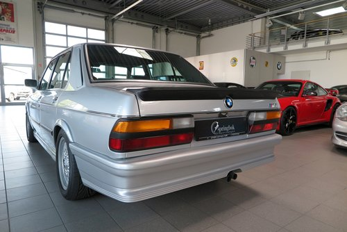 1986 BMW M5 E28 *M Aerodynamics Package* For Sale (picture 3 of 6)