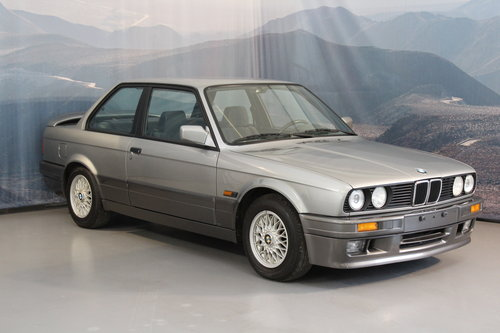 1988 BMW 320i Automatic 2-door For Sale (picture 1 of 6)