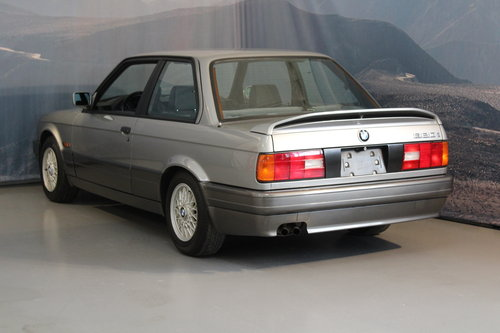 1988 BMW 320i Automatic 2-door For Sale (picture 2 of 6)