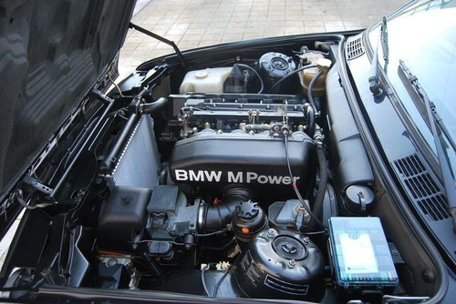 1989 BMW 320 is E30 motor S14 (M3) For Sale (picture 4 of 6)