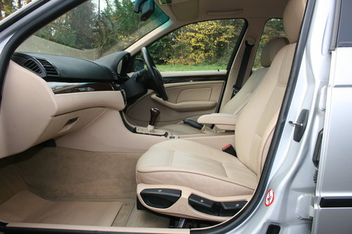 BMW 318i SE.. E46.. Only 37,000 Miles.. FSH.. Factory Extras SOLD (picture 3 of 6)