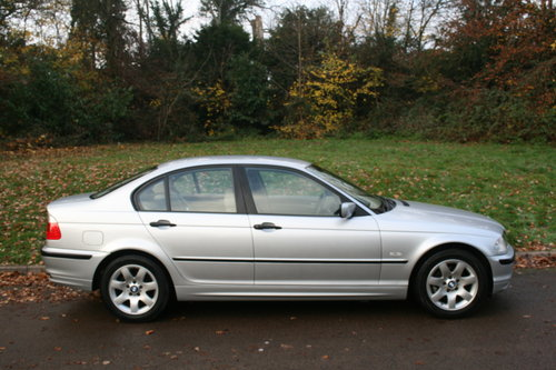 BMW 318i SE.. E46.. Only 37,000 Miles.. FSH.. Factory Extras SOLD (picture 6 of 6)