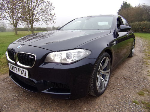 2013 BMW M5 Auto (Full Main Dealer Service History) For Sale (picture 3 of 6)