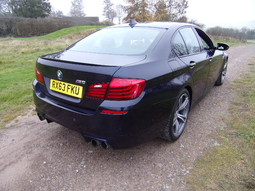 2013 BMW M5 Auto (Full Main Dealer Service History) For Sale (picture 4 of 6)