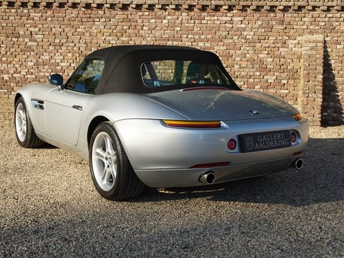 2000 BMW Z8 German car, only 28.722 kms! For Sale (picture 2 of 6)