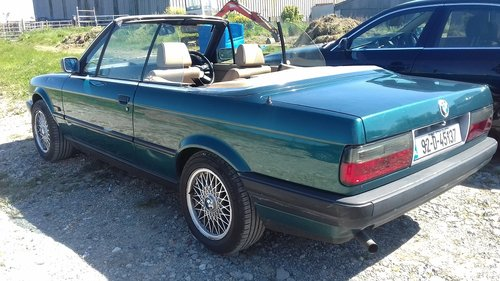 1992 BMW E30 318i Convertible For Sale (picture 3 of 6)
