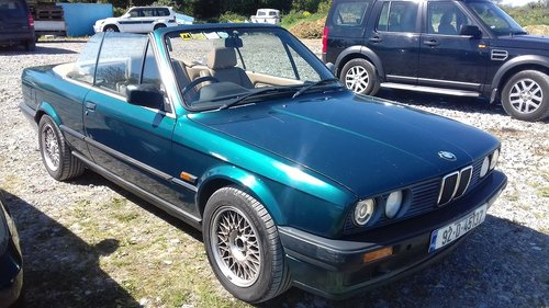 1992 BMW E30 318i Convertible For Sale (picture 4 of 6)