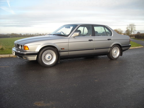 1989 BMW 735i SE AUTO GEN 55000 MLS FSH TOTALLY ORIGINAL For Sale (picture 1 of 6)