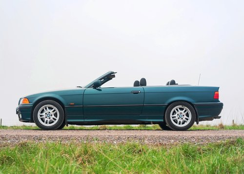 1995 BMW 328i Convertible SOLD by Auction (picture 3 of 6)