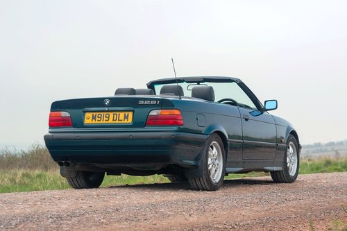 1995 BMW 328i Convertible SOLD by Auction (picture 4 of 6)