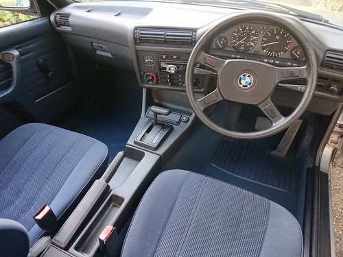 1987 BMW E30 318i 2-door coupé (Automatic) For Sale (picture 5 of 6)