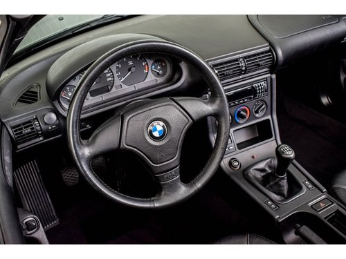 1996 BMW Z3 Roadster 1.9 only 64200 km! For Sale (picture 5 of 6)