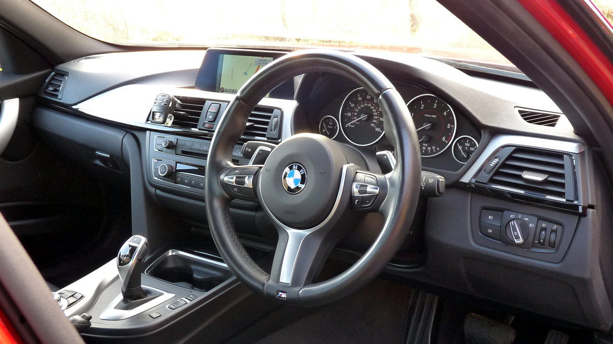 2015 BMW 330d X DRIVE M SPORT STEP AUTO For Sale (picture 4 of 6)