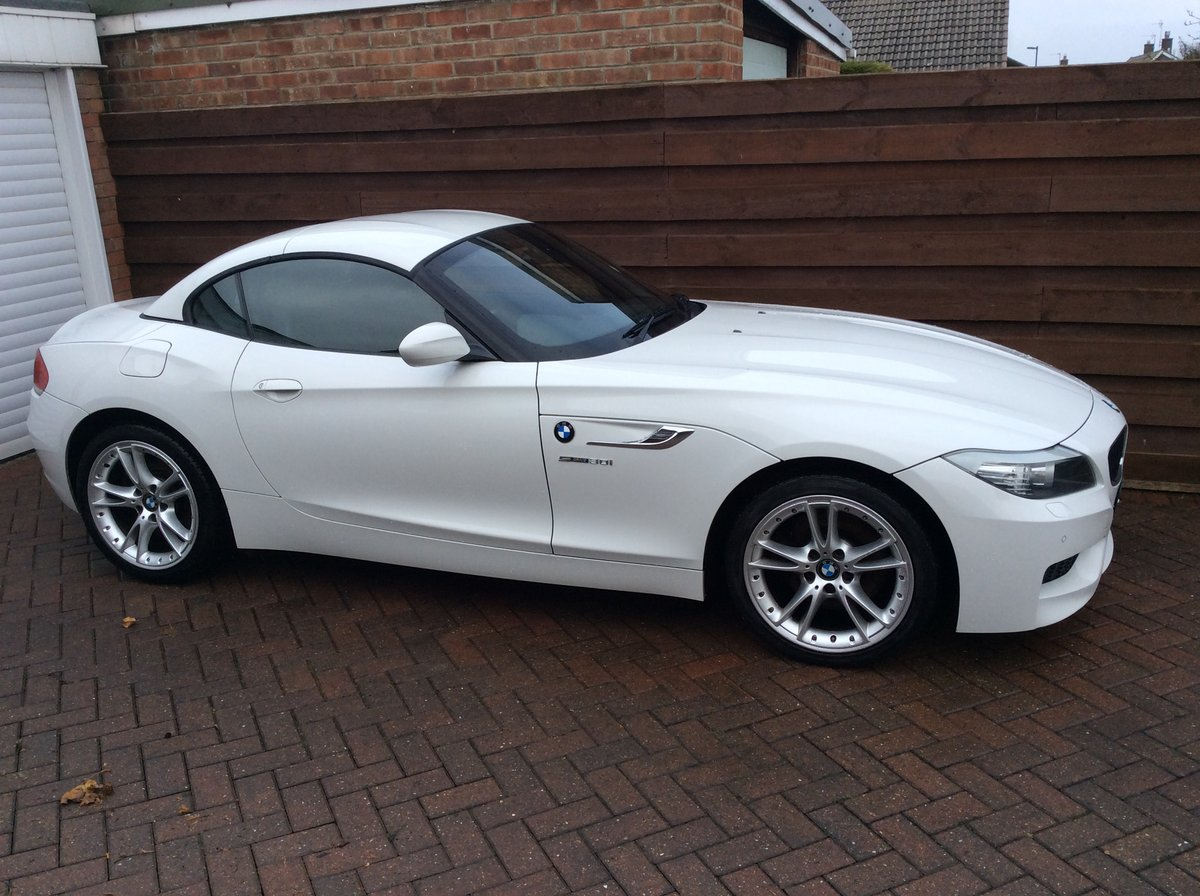 Stunning 2010 BMW Z4  3 litre manual For Sale (picture 2 of 6)
