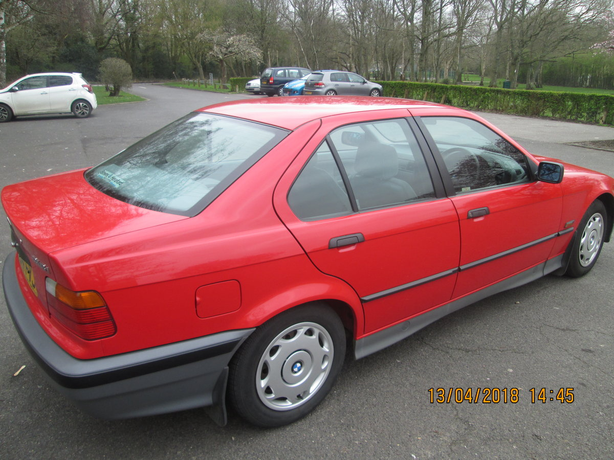 BMW 316i 1992, FSH, STUNNING, low miles,Manual. SOLD (picture 3 of 6)