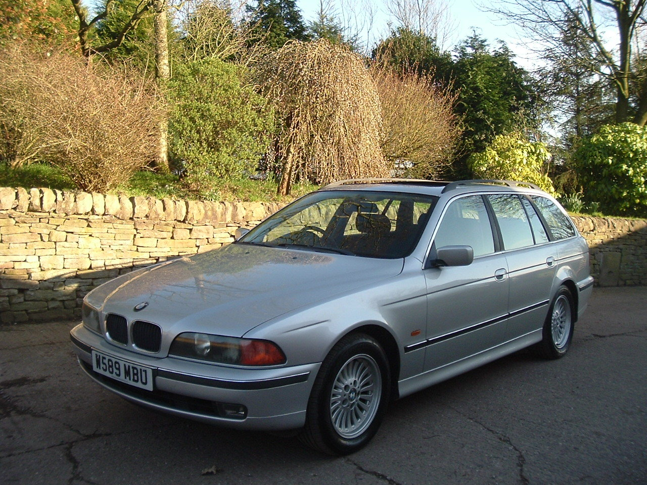 2000 00/W BMW 520i SE Touring Manual. E39. FBMWSH to 106k. SOLD (picture 1 of 6)