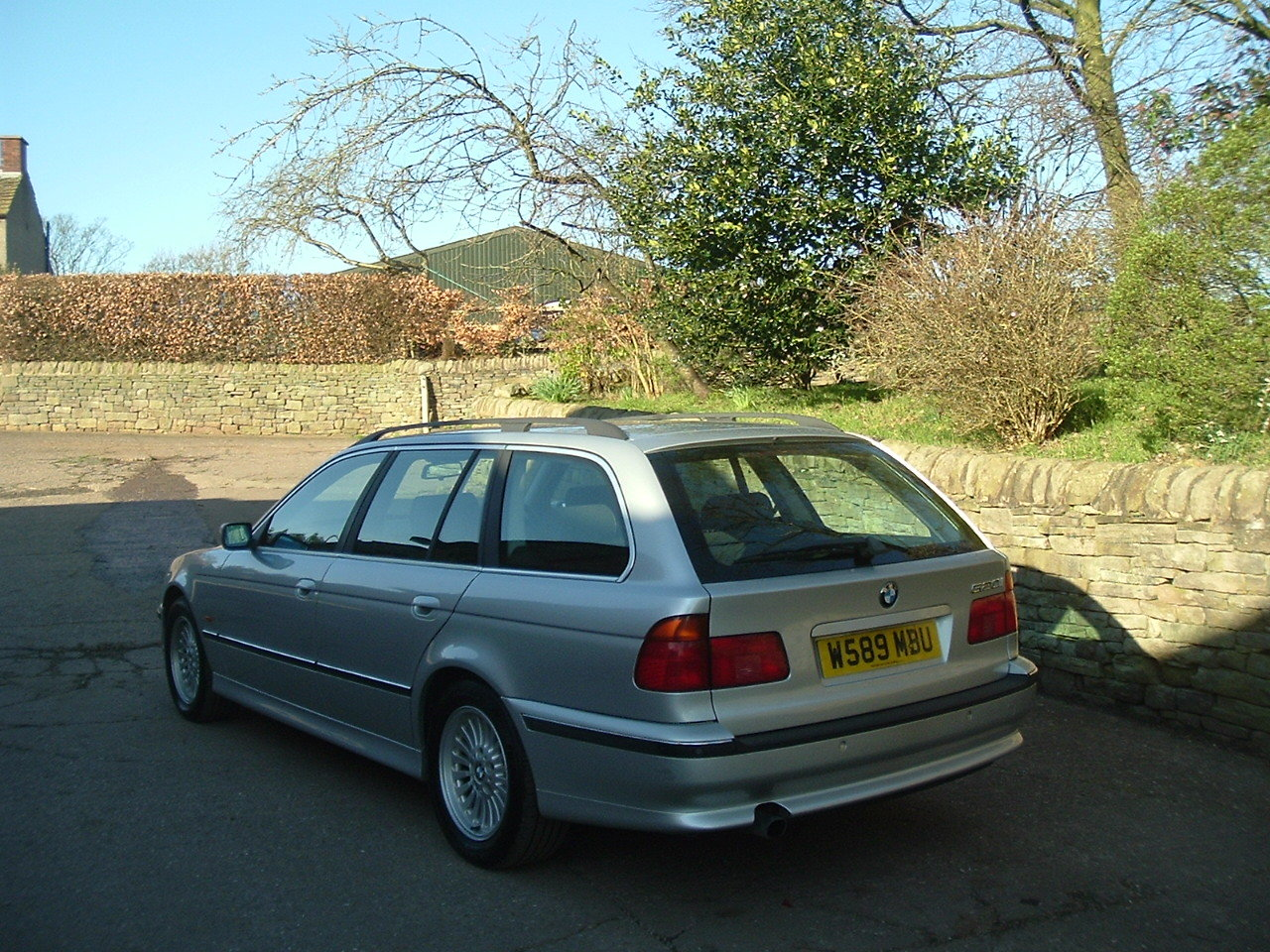 2000 00/W BMW 520i SE Touring Manual. E39. FBMWSH to 106k. SOLD (picture 3 of 6)