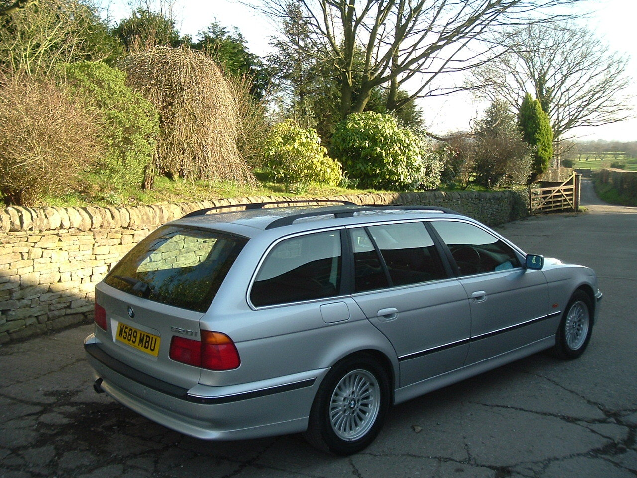 2000 00/W BMW 520i SE Touring Manual. E39. FBMWSH to 106k. SOLD (picture 4 of 6)