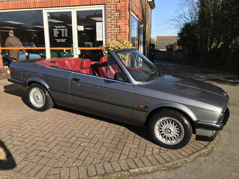 1990 BMW 325i CONVERTIBLE E30 (Just 15,000 miles from new) For Sale (picture 1 of 6)