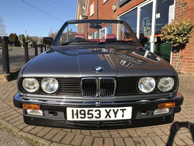 1990 BMW 325i CONVERTIBLE E30 (Just 15,000 miles from new) For Sale (picture 2 of 6)
