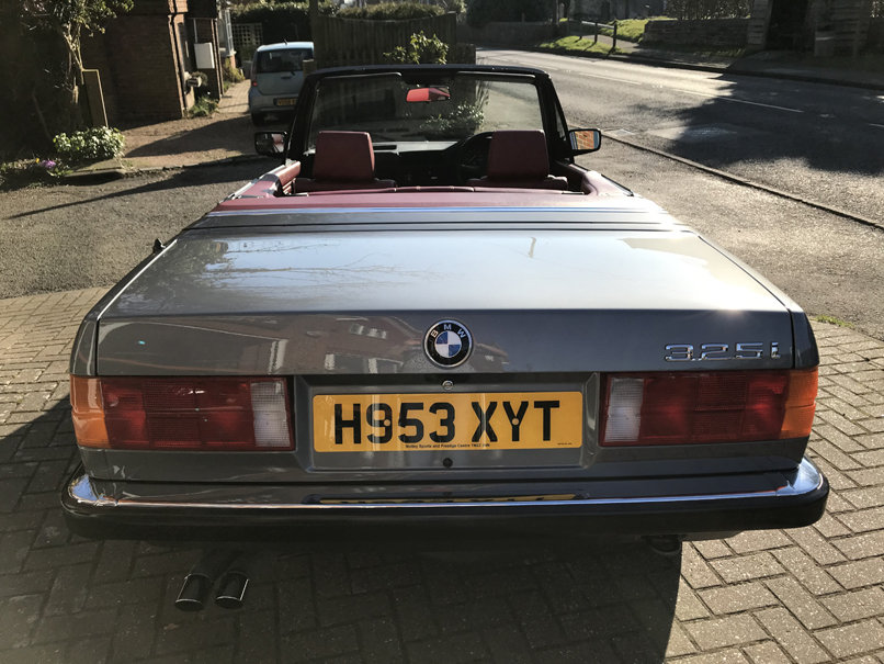 1990 BMW 325i CONVERTIBLE E30 (Just 15,000 miles from new) For Sale (picture 3 of 6)