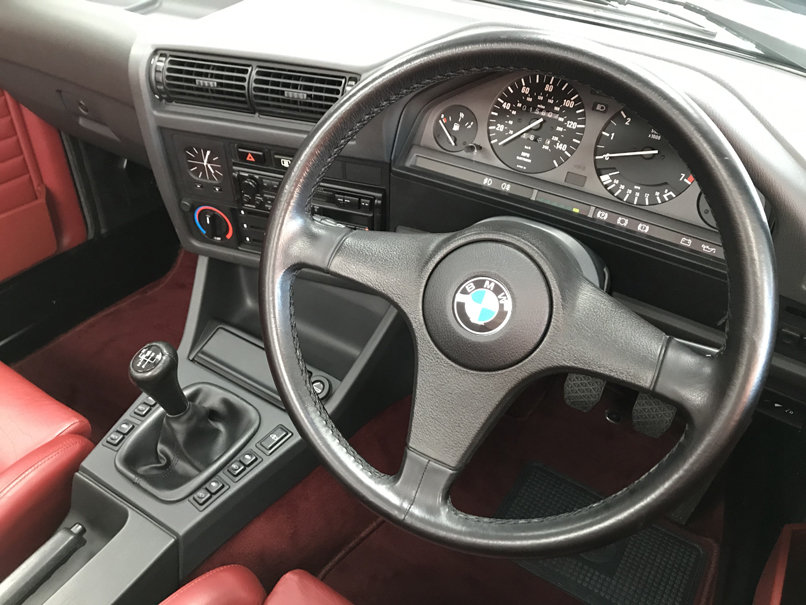 1990 BMW 325i CONVERTIBLE E30 (Just 15,000 miles from new) For Sale (picture 5 of 6)