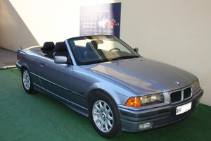BMW 318 CONVERTIBLE OF 1995