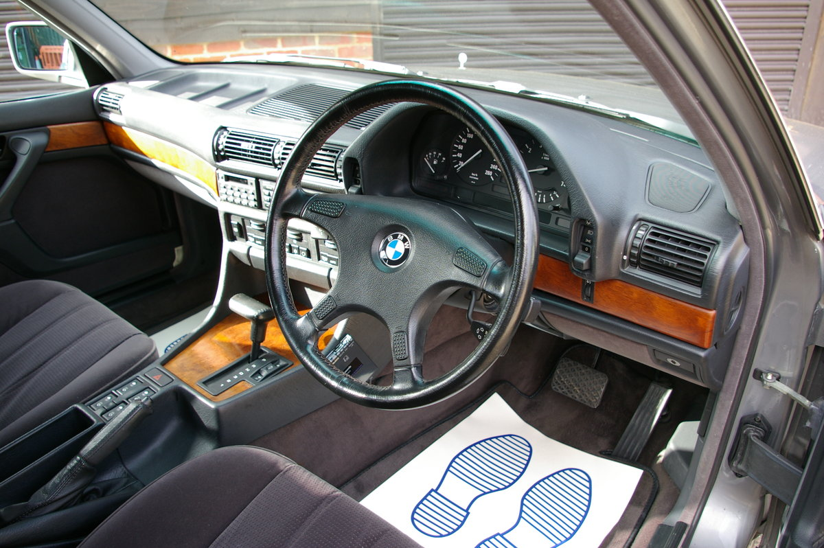 1991 BMW E32 735I Automatic Saloon (56,740 miles) For Sale (picture 4 of 6)